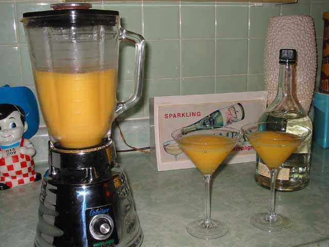 Mango Fever! Some eat mango. we drink it! Here's how to prepare it for either.
