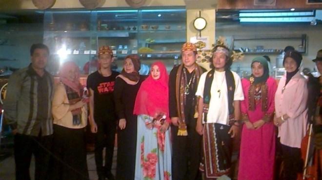 Fikar W. Eda, Teuku Nausa Bersama Masyarakat Aceh