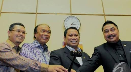 Fary Djemy Francis (nomor 2 dari kanan) | Foto: Liputan6