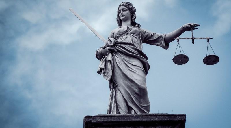 Hancurnya Egalitarianisme Hukum di Indonesia