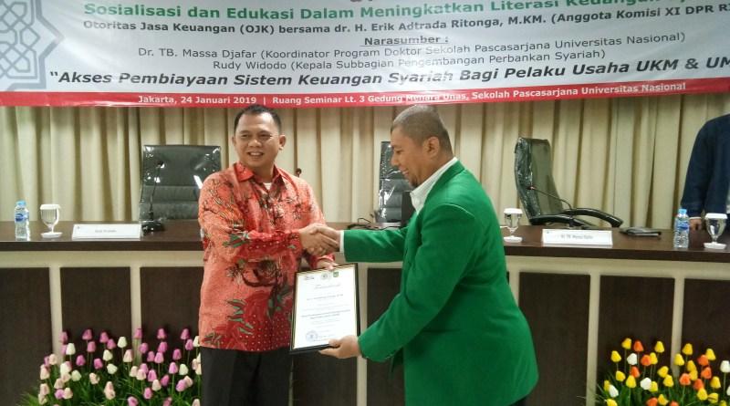 Erik Adtrada Ritonga Gelar Sosiliasasi Literasi Keuangan Syariah Bagi UMKM