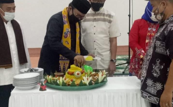 Potong Tumpeng Rayakan HUT Jakarta, Bamus Betawi Tolak RUU HIP