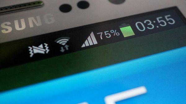Samsung Galaxy S III AMOLED screen