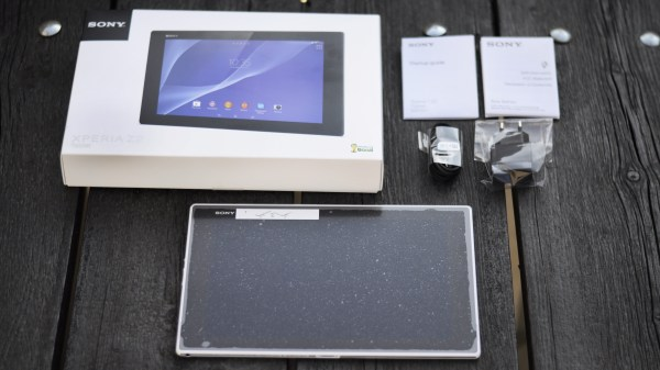 sony-xperia-z2-tablet-box-contents
