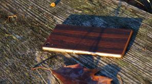 sony-xperia-z3-dbrand-skin-mahogany-9