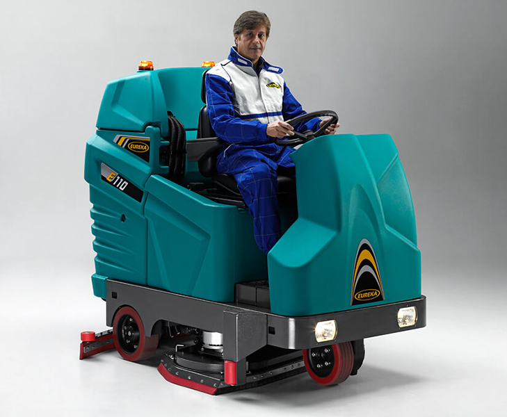 ASC Eureka E110 scrubber with man 1