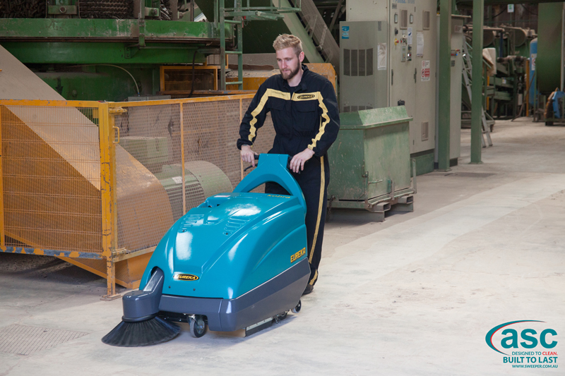 ASC Eureka M1 sweeper with man 8