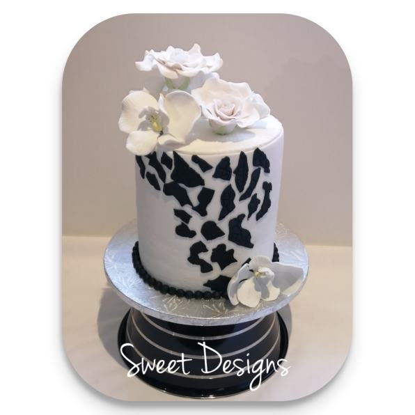 Black and White Theme Cake