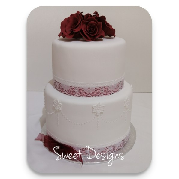 Wedding Cake with Piping Bottom Border