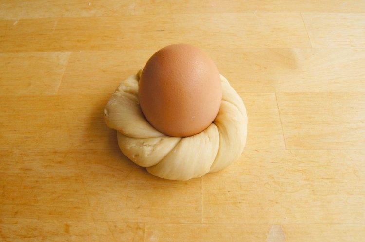 Osternester geformt