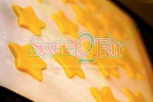 snowflakes and stars sugar cookies