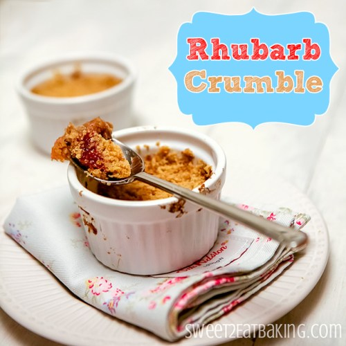 Rhubarb Crumble with an Amaretti crumble