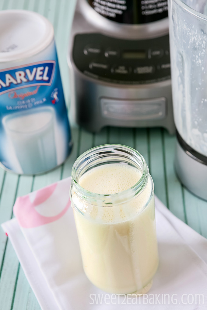 Homemade Sweetened Condensed Milk Recipe | Sweet2EatBaking.com | #homemade #diy #sweetened #condensedmilk