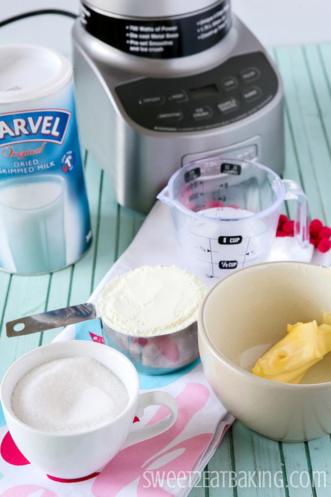Homemade Sweetened Condensed Milk Recipe | Sweet2EatBaking.com | #homemade #sweetened #condensedmilk