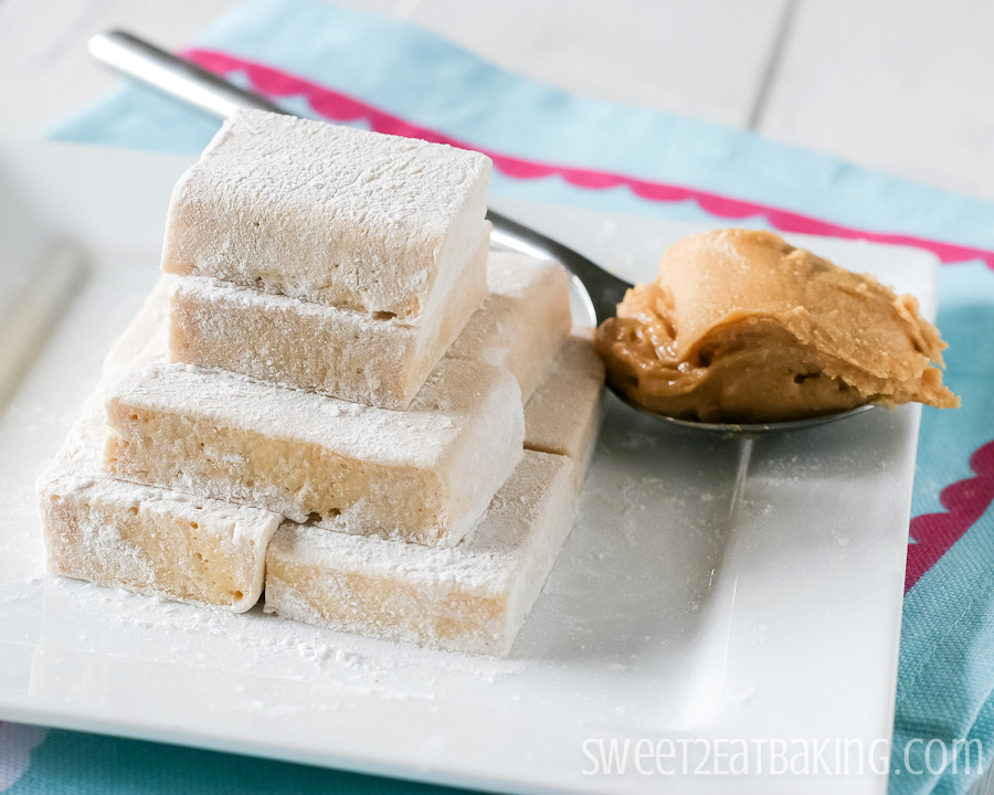 Fluffernutter Marshmallows by Sweet2EatBaking.com | #fluffernutter #peanutbutter #marshmallows #recipe