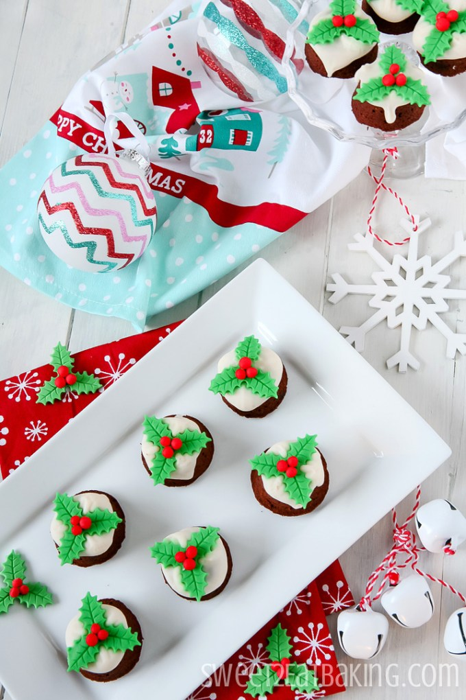 Mini Christmas Pudding Cupcakes Recipe with Custard Flavoured Icing by Sweet2EatBaking.com