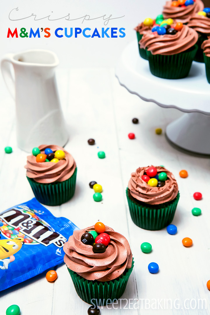 Crispy M&M's Cupcakes by Sweet2EatBaking.com