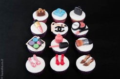 קאפקייקס אופנה וסטייל מעוצבים קישוטים מבצק סוכר איפור נעליים תיקים
