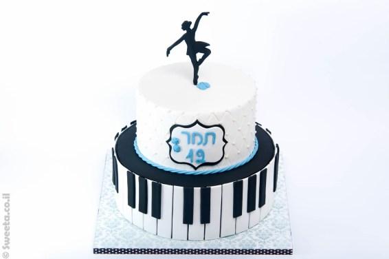 עוגת בלרינה פסנתרנית מעוצבת מבצק סוכר