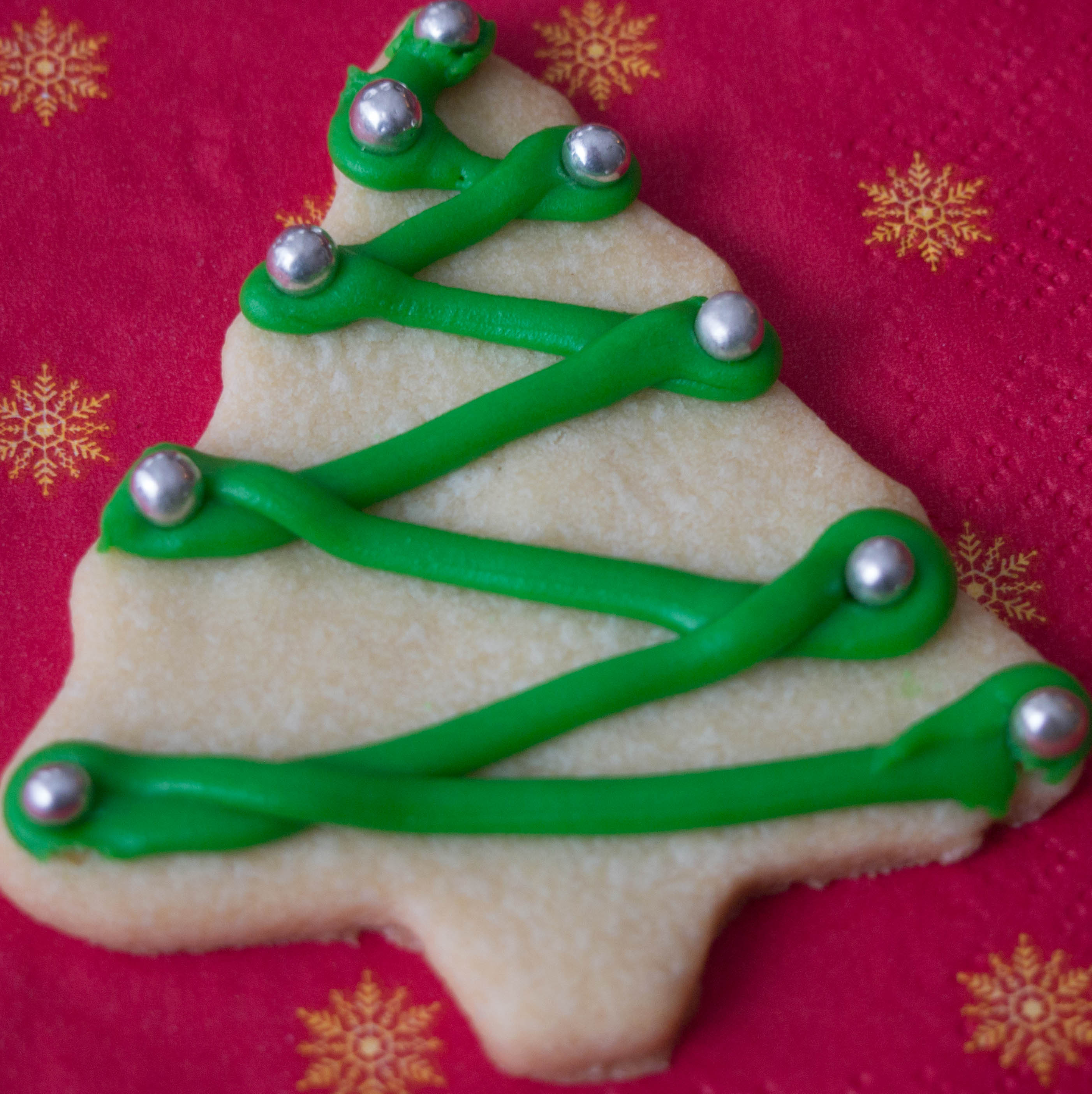 These Vanilla Sugar Cookies make a great holiday cookie, they're perfect for adding icing and candy but are also delicious plain.
