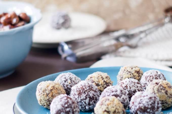 5 Ingredient Date Energy Balls