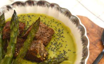 Σούπα με σπαράγγια και αρακά_sticky