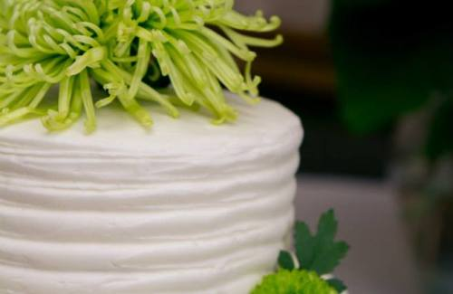 Mum floral white combed cake