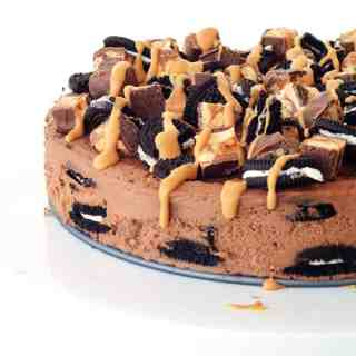 Snickers Peanut Butter Chocolate Oreo Icebox Cake