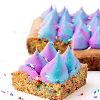 Funfetti Unicorn Cookie Bars | via sweetestmenu.com