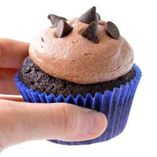 Amazing Chocolate Mocha Cupcakes (Video)