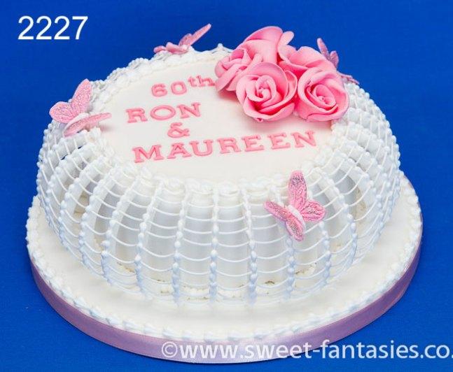 Round Wedding Anniversary Cake