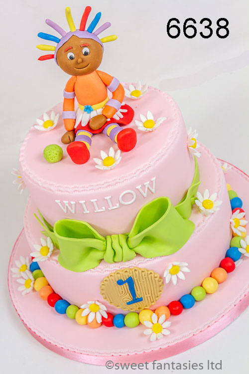 girls birthday cake - night garden