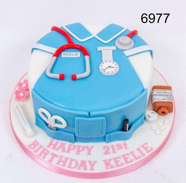 girls 21st birthday cake for a nurse