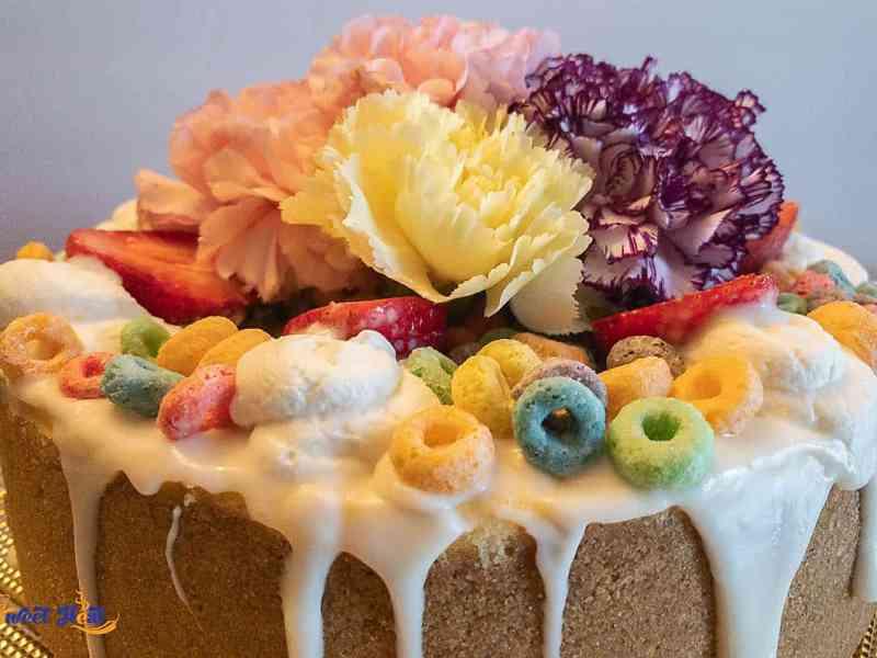 Froot Loops carnation cheesecake