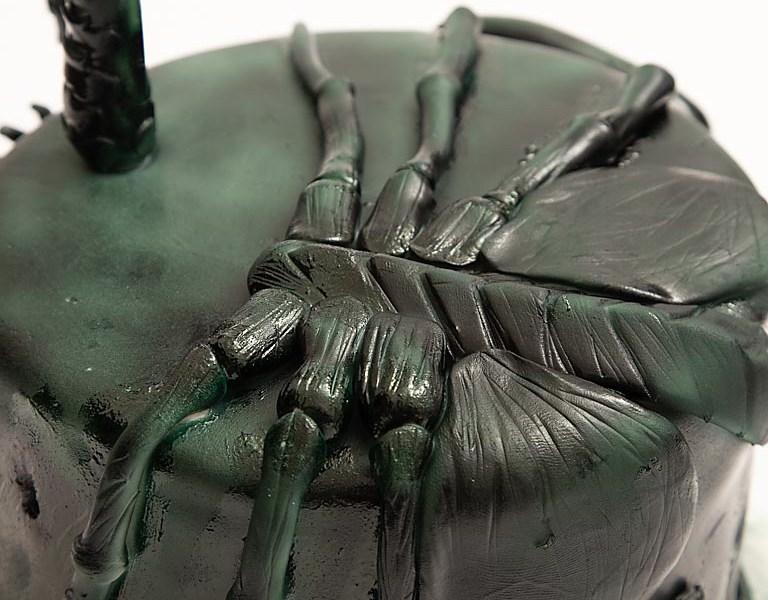 Alien Cake Face Hugger