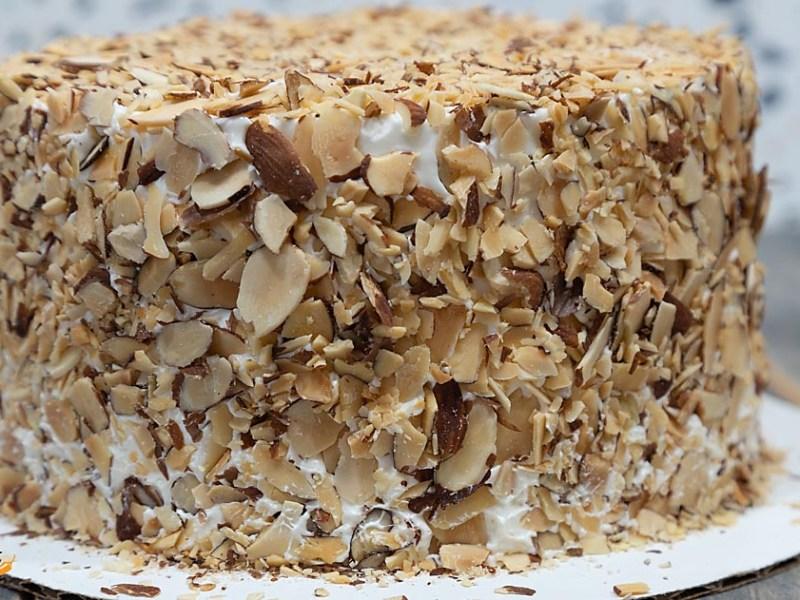 Amaretto toasted almond cake