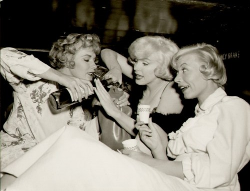 Vintage Girls, Marilyn Monroe, Working The Room. Party Confidence Tips. Sweet Living Company., Paleo Skincare, Paleo Beauty. Handmade in Canada. Saskatchewan.