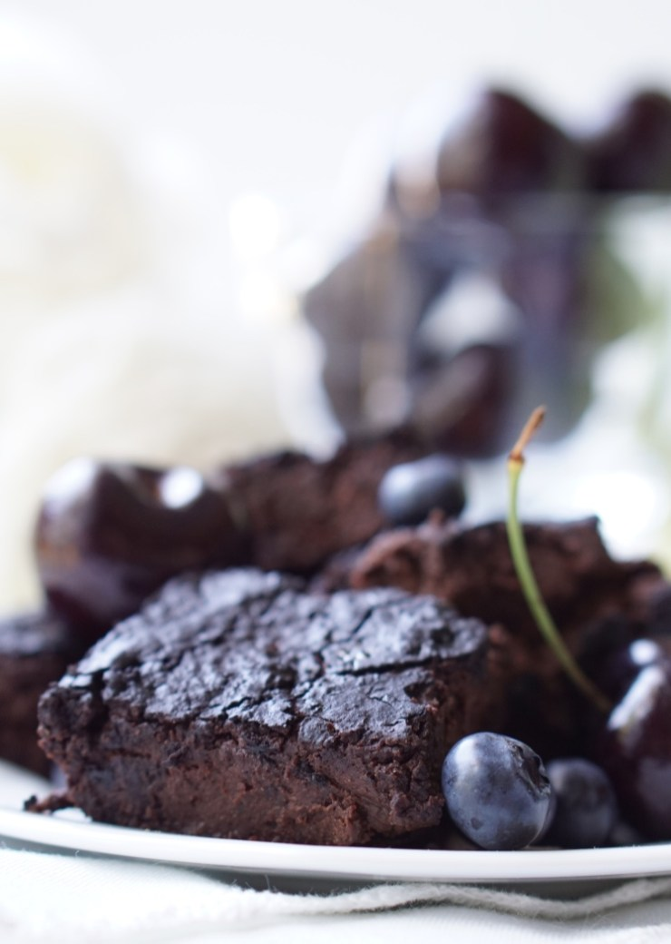 Healthy Vitamin-Rich Gooey Mixed Berry Brownies: