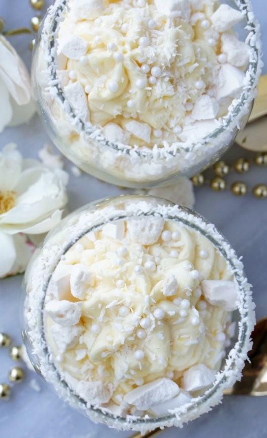 Healthy Low-Calorie, Fat-Free Coconut Meringue Parfait recipe! Perfect light, guilt-free treat for a late-night celebration, as a healthy snack or a protein-rich breakfast! Yummy, silky and decadent, it's also very easy to prepare!