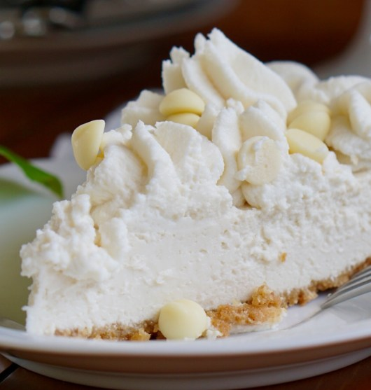 Healthy Low-Fat White Chocolate Cheesecake with Fat-Free White Chocolate Mousse