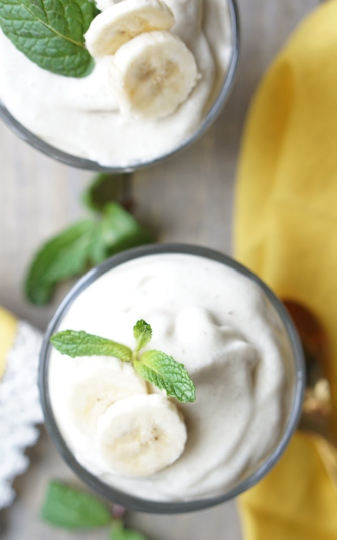 This healthy and delicious Banana Marshmallow Dessert is naturally low-calorie, fat-free and low-sugar. It's super-easy to make and it's also paleo, gluten-free and all-natural! You can devour it for breakfast, snack or dessert and have no guilt about it!