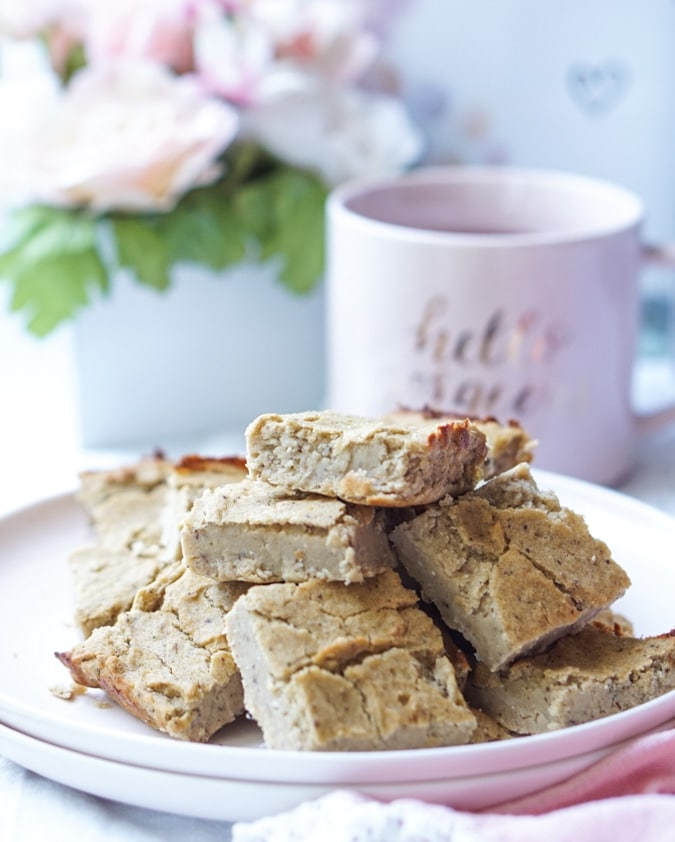A recipe for the Healthy, Sugar-Free, Fat-Free AND Low-Calorie Peanut Butter Bars! Also read on how to eat less sugar (without feeling deprived!)