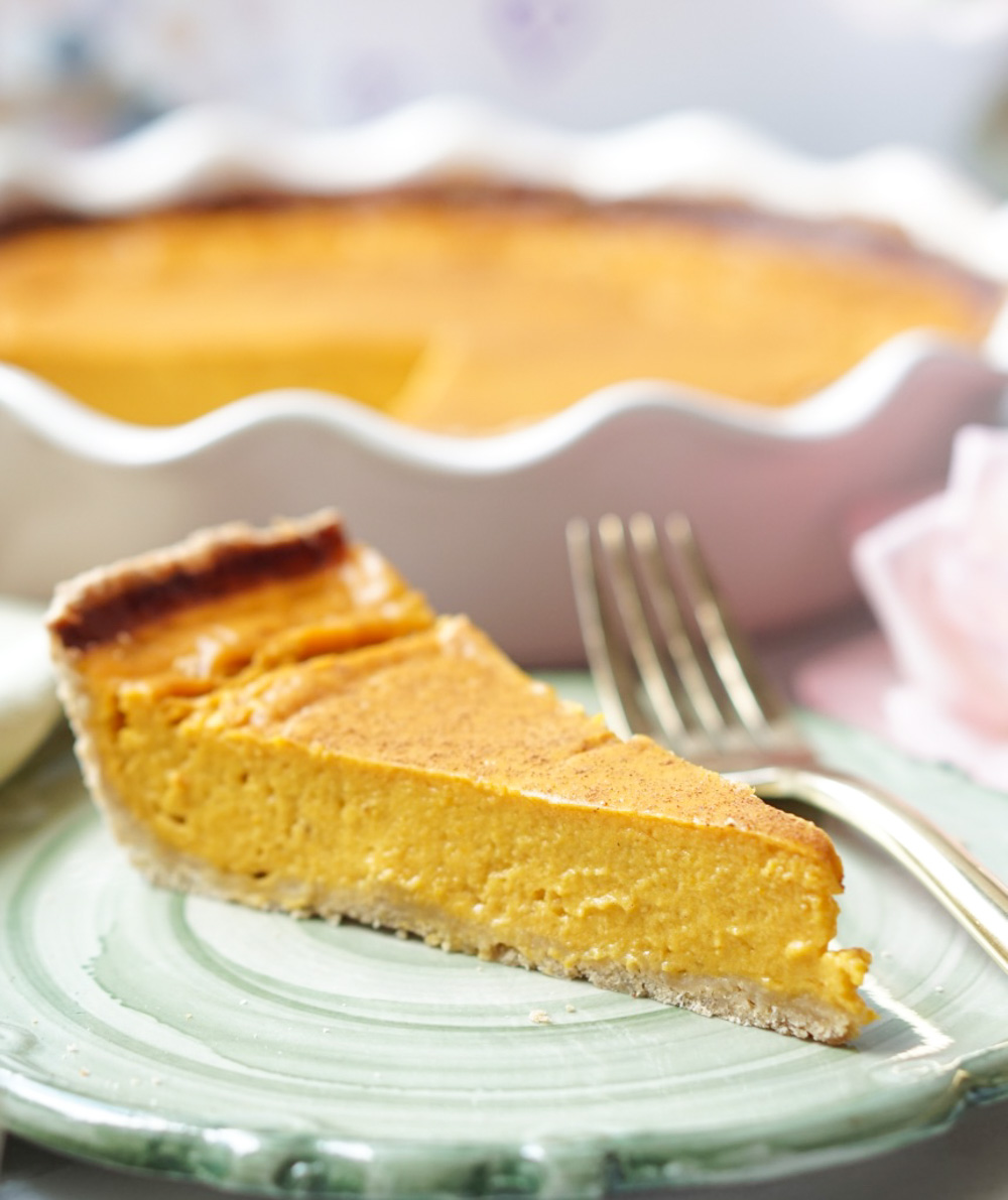 TheHealthy Pumpkin Pie is easy to make (seriously - it's easier than making a cake - I promise!) all-natural, lower-calorie, and super-delicious!