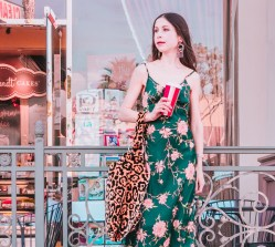 The Best Versatile and Pretty Dresses for the Holiday Season! #HolidaySeason #Christmas #Partydresses #Partydress #SlipDress #PrettyDresses #LosAngelesStyle