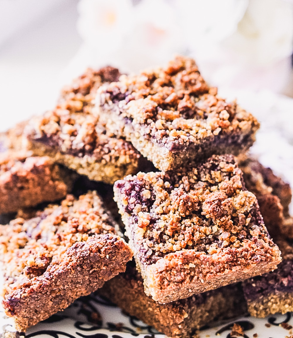 Healthy Blueberry Crumb Bars