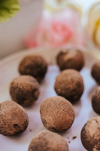 EASY HEALTHY PUMPKIN TRUFFLES!