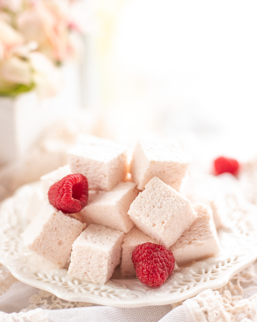 These Healthy Low-Calorie Raspberry Marshmallows are just as delicious as the traditional sugary treat, only they are naturally low-sugar, high in protein and antioxidants, and so guiltless - you can eat the whole batch at night and feel good about it! Just 14 calories a serving!