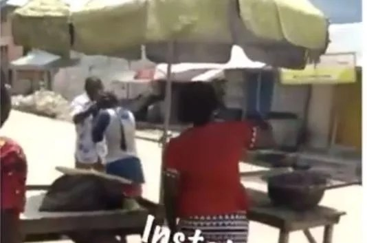 Sweetloaded pastor Mentally Unstable Lady Tackles A Pastor Trying To Deliver Her In Rivers State (Watch Video) gist News
