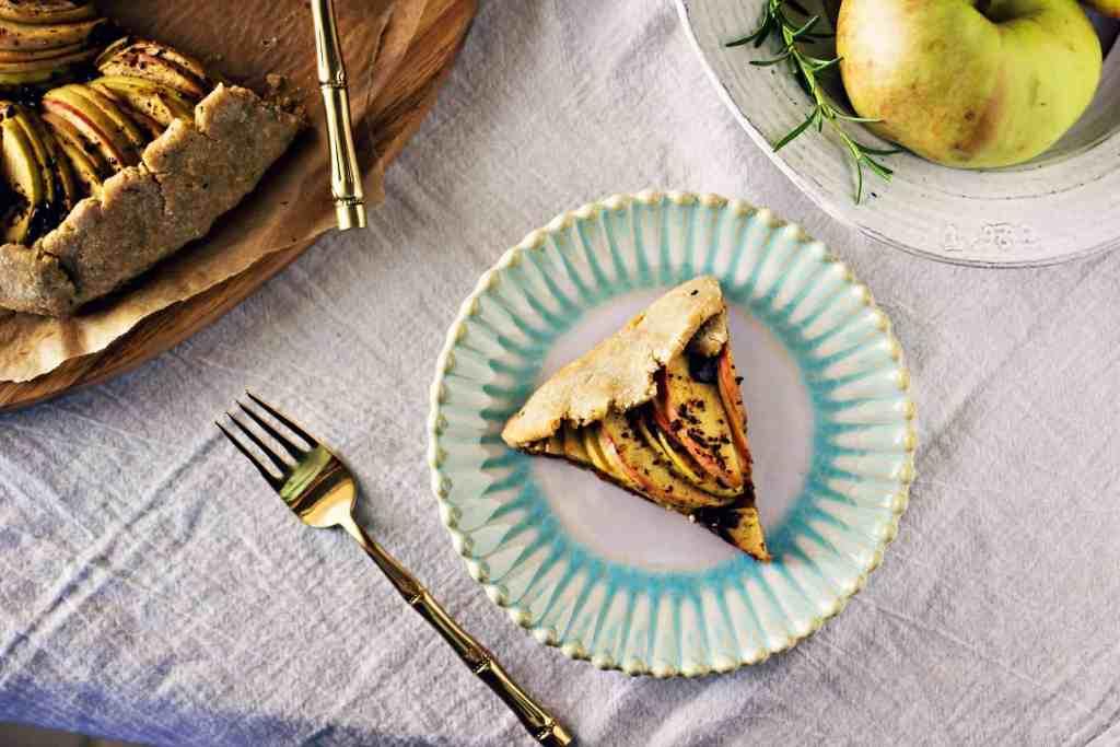 rosemary dark chocolate apple crostata | via sweet miscellany