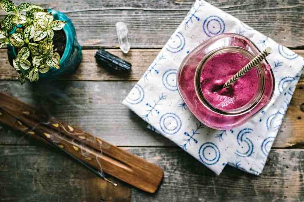 rise & shine smoothie | plant based magic via the sweet miscellany blog